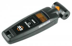 SKS Airchecker digitaler Luftdruckmesser SV AV max 10 bar 144 PSI